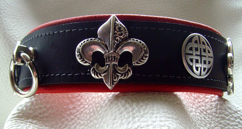 6597706e89aafb Halsband Fleur-De-Lis in vielen Leder-Farben mit Ziernieten
